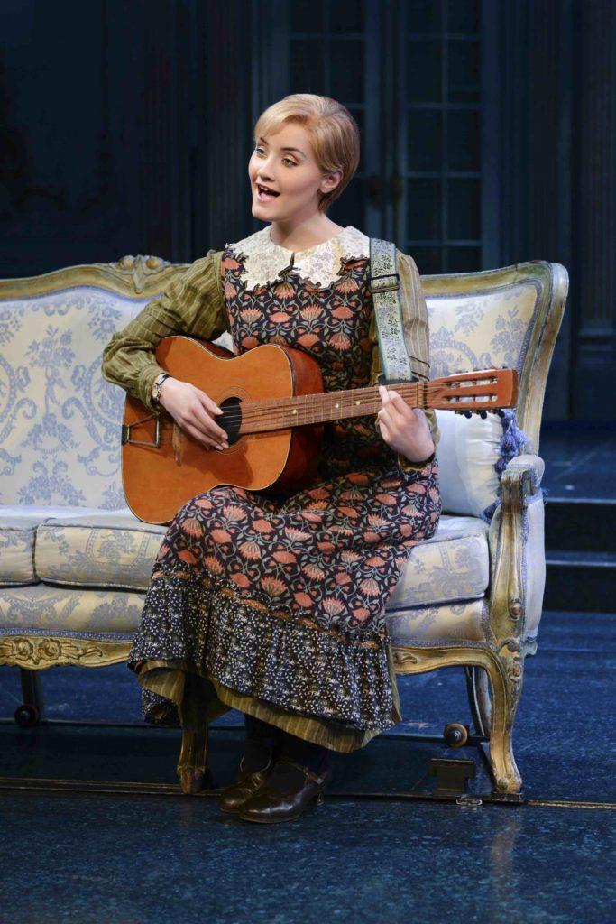 Carmen Pretorius as Maria